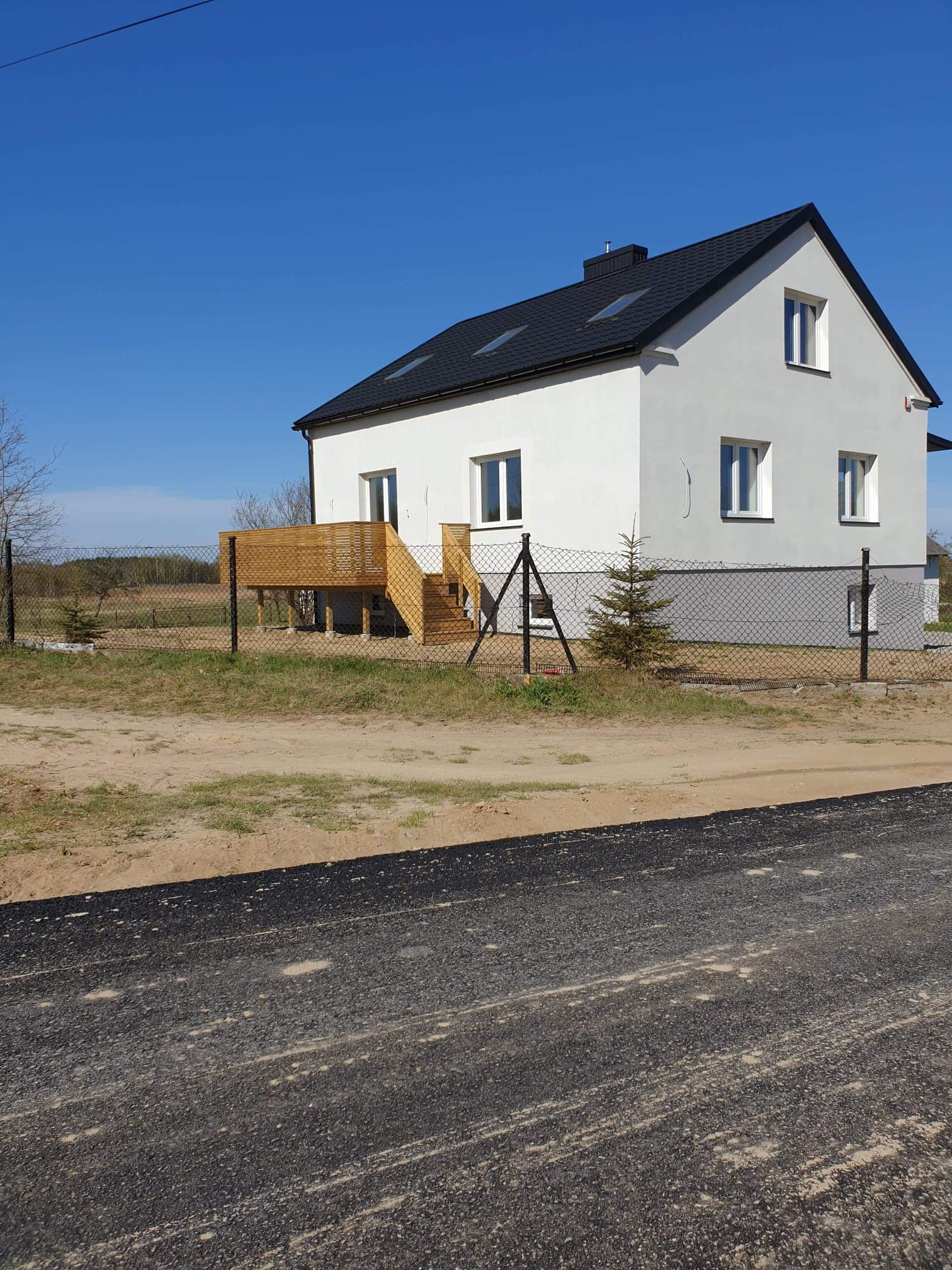 DOM + dwa budynki gospodarcze na sprzedaż, stan deweloperski, LIPINY, NOWA NIŻSZA CENA