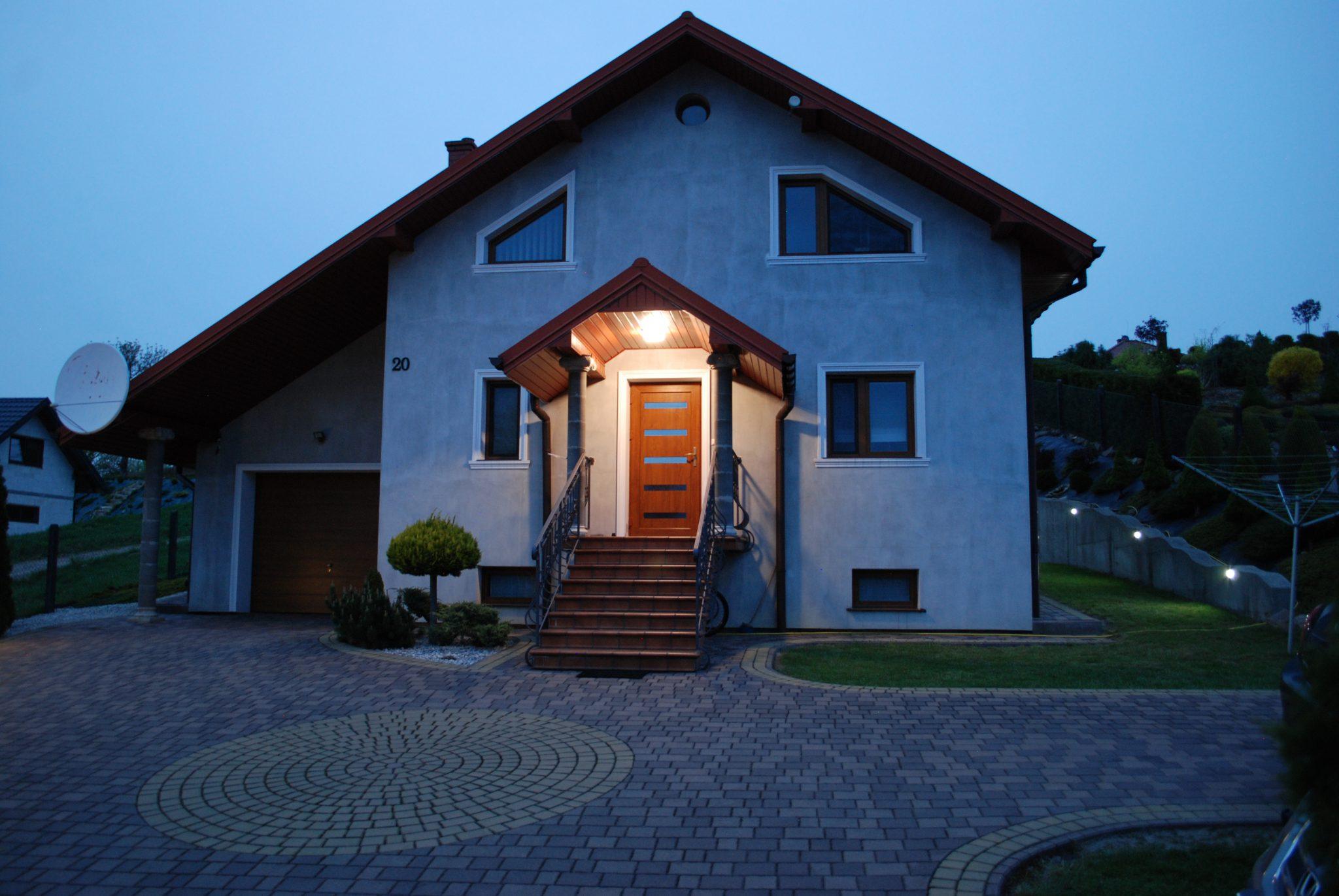 Dom na sprzedaż, Brzostek